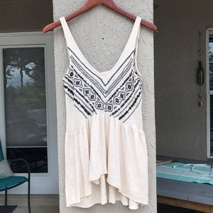 Ecote embroidered/beaded detail tank top. Size XS.